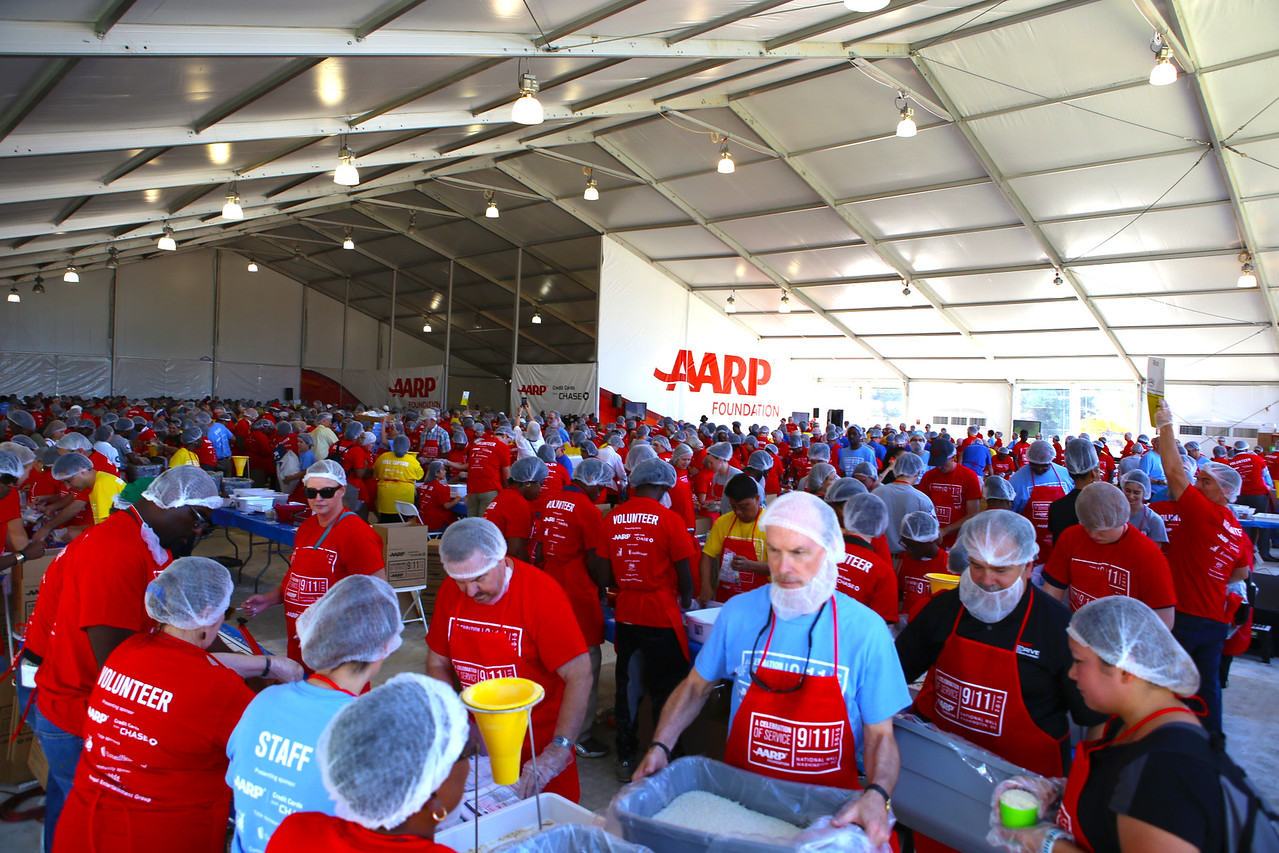 Volunteers serve at a tent near the Lincoln Memorial in Washington, D.C. on September 11th National Day of Service and Remembrance. Corporation for National and Community Service Photo.