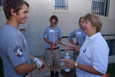 CNCS CEO, Wendy Spencer talking with AmeriCorps members on 9/11 Day of Service and Remembrance. Corporation for National and Community Service Photo.