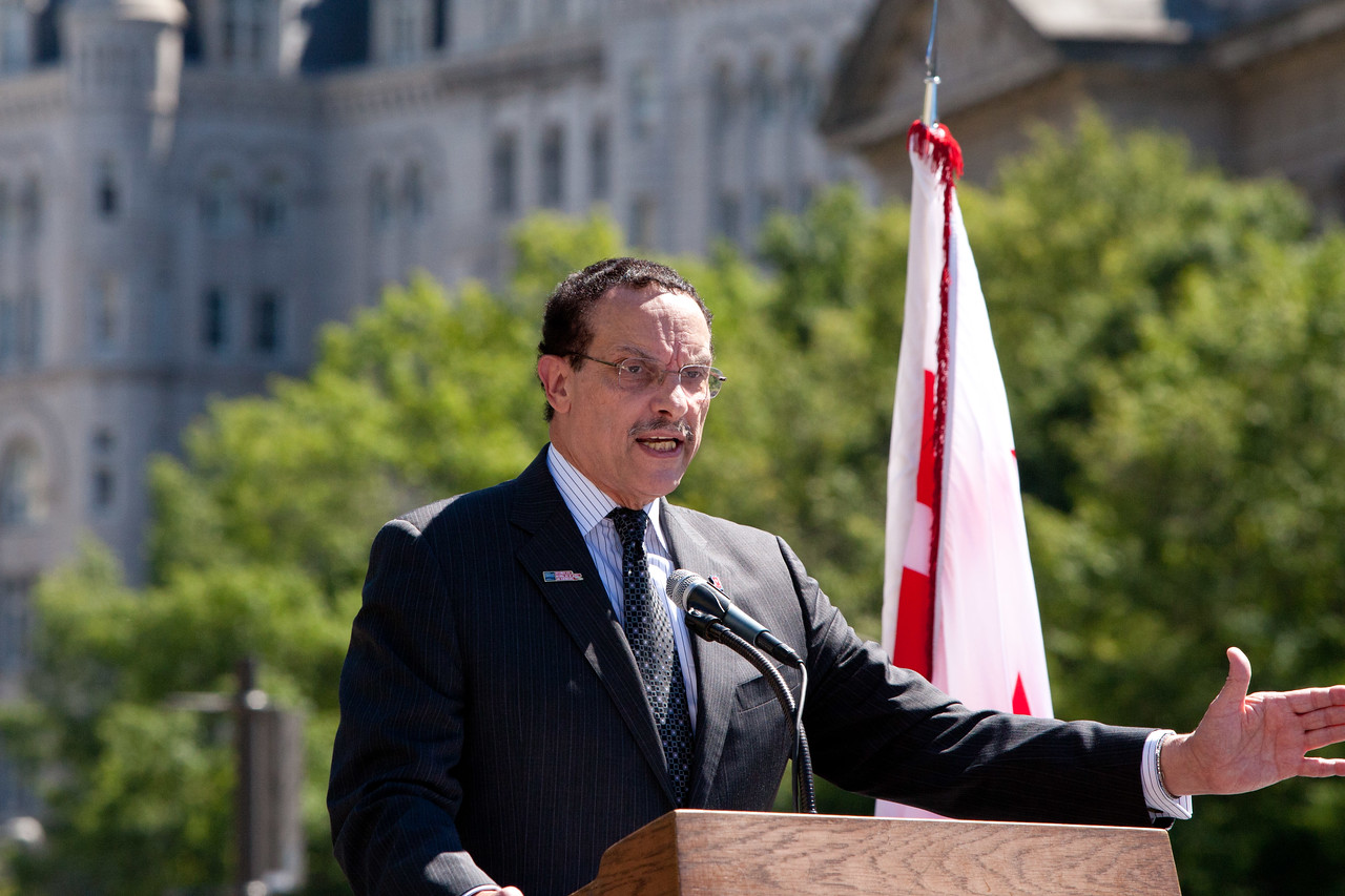Mayor of Washington, D.C. Vincent C. Gray. Corporation for National and Community Service Photo.