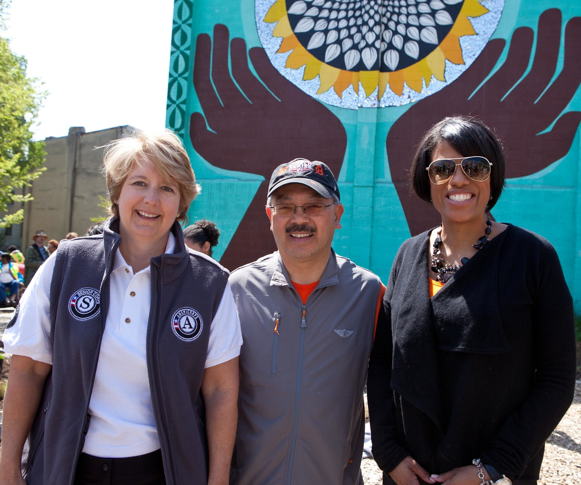 CNCS CEO Wendy Spencer, San Francisco Mayor Edwin M. Lee, and Baltimore Mayor Stephanie Rawlings-Blake enjoy the Service Bowl in Baltimore, MD. Corporation for National and Community Service Photo.
