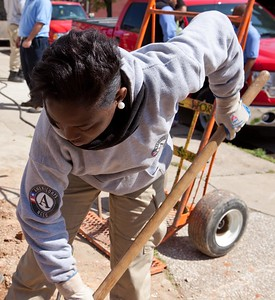An AmeriCorps member serving in Baltimore, MD. Corporation for National and Community Service Photo.