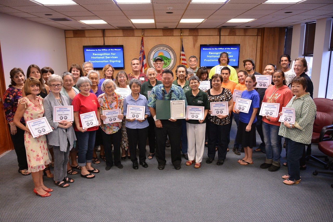 National service members participating in Mayors Day of Recognition for National Service in Maui, HI on April 1, 2014.Corporation for National and Community Service Photo.