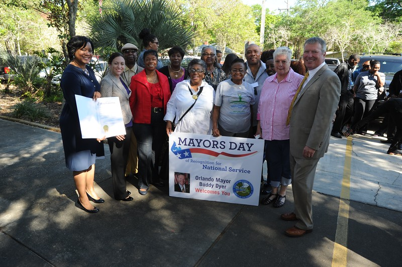 Mayor Buddy Dyer (Orlando, FL) with national service participants for the Mayors Day of Recognition for National Service on April 1, 2014. Corporation for National and Community Service Photo.
