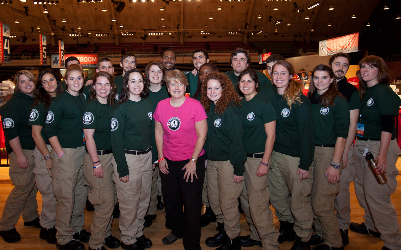 CNCS CEO Wendy Spencer poses with members of AmeriCorps NCCC. DC Armory - National Day of Service - MLK Day 2013.Corporation for National and Community Service Photo.