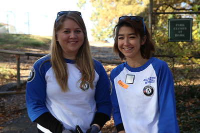 AmeriCorps members from Arlington Works, Rachel LaCroix and Amy Gale serving on Veterans Day. Corporation for National and Community Service Photo.