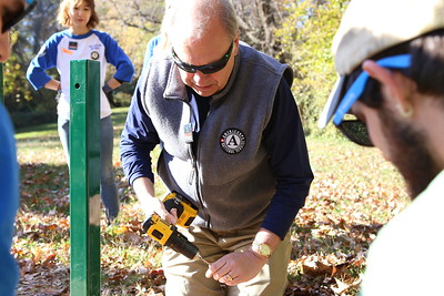 AmeriCorps Director Bill Basl serving alongside AmeriCorps members and veterans at an SCA sponsored service project in Washington, D.C. Corporation for National and Community Service Photo.