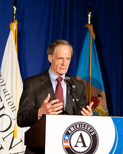 Sen. Tom Carper (DE). Corporation for National and Community Service Photo.