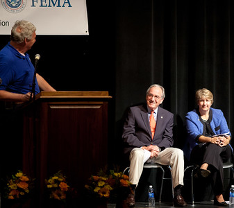 FEMA Deputy Administrator, Rich Serino. (L-R) Sen. Tom Harkin (IA), CNCS CEO, Wendy Spencer. Corporation for National and Community Service Photo.