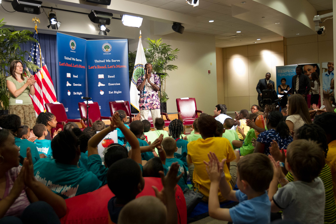 Let's Read Let's Move July 2012. Corporation for National and Community Service Photo.