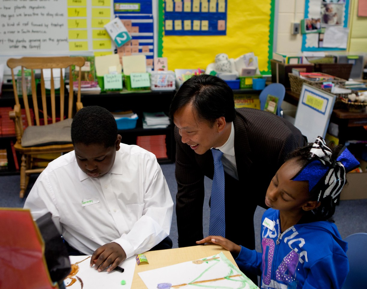 Students participate in an arts project with Director of Senior Corps, Dr. Erwin Tan at Miner Elementary School in Washington, D.C. Corporation for National and Community Service Photo.