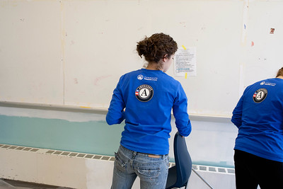AmeriCorps members serving at Hammel House community center. Corporation for National and Community Service Photo.