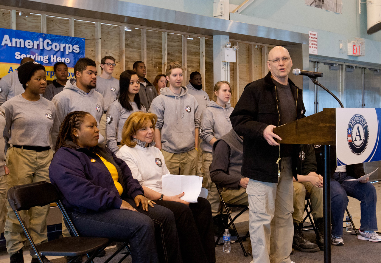 Gary Bagley, Executive Director of New York Cares speaks to AmeriCorps members and volunteers at kick-off event. Corporation for National and Community Service Photo.