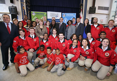 (L-R) Co-Founder and CEO, City Year, National Headquarters, Michael Brown, CNCS CEO Wendy Spencer, Secretary of Education Arne Duncan, Corporation for National and Community Service photo