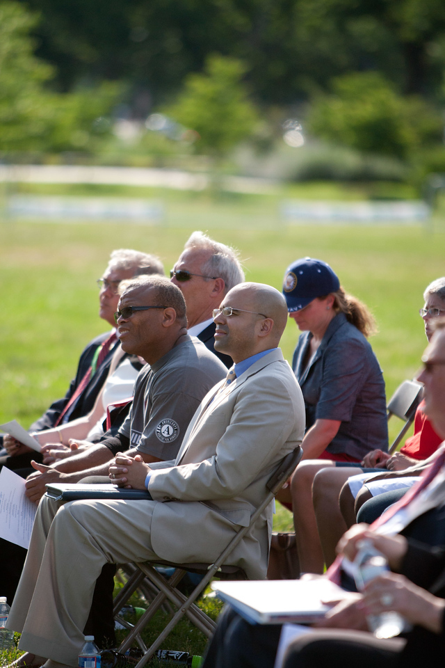 CNCS, Senior Advisor to the CEO, Koby Langley. Veterans Build on the Mall 2013. Corporation for National and Community Service Photo.