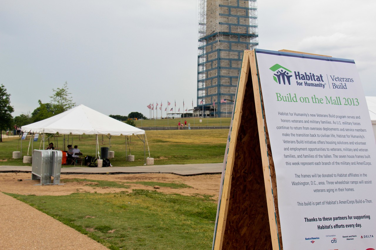 Veterans Build on the Mall 2013. Corporation for National and Community Service Photo.