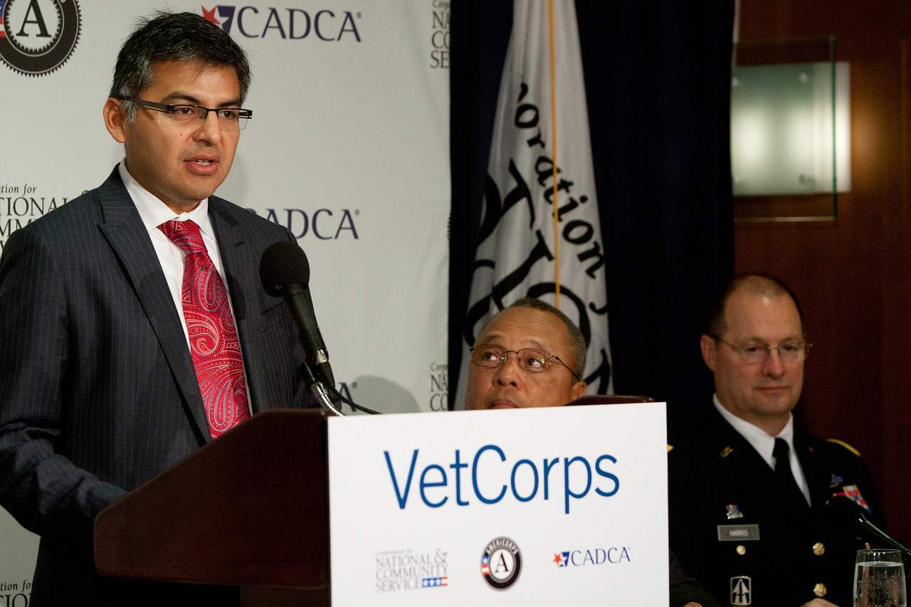 (L-R) Acting CEO, Robert Velsaco II, Corporation for National and Community Service, Chairman and CEO, CADCA, Arthur T. Dean. VetCorps Launch with CADCA and The National Guard. Corporation for National and Community Service Photo.