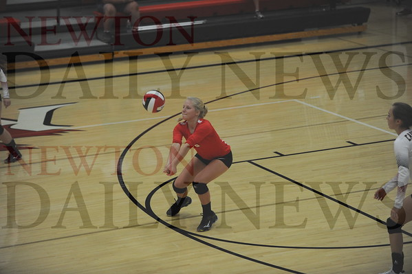 Newton volleyball vs. N. Polk, S. Tama 9-8-2016