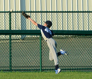 Max Walinsky, of Holland, just misses a great catch.