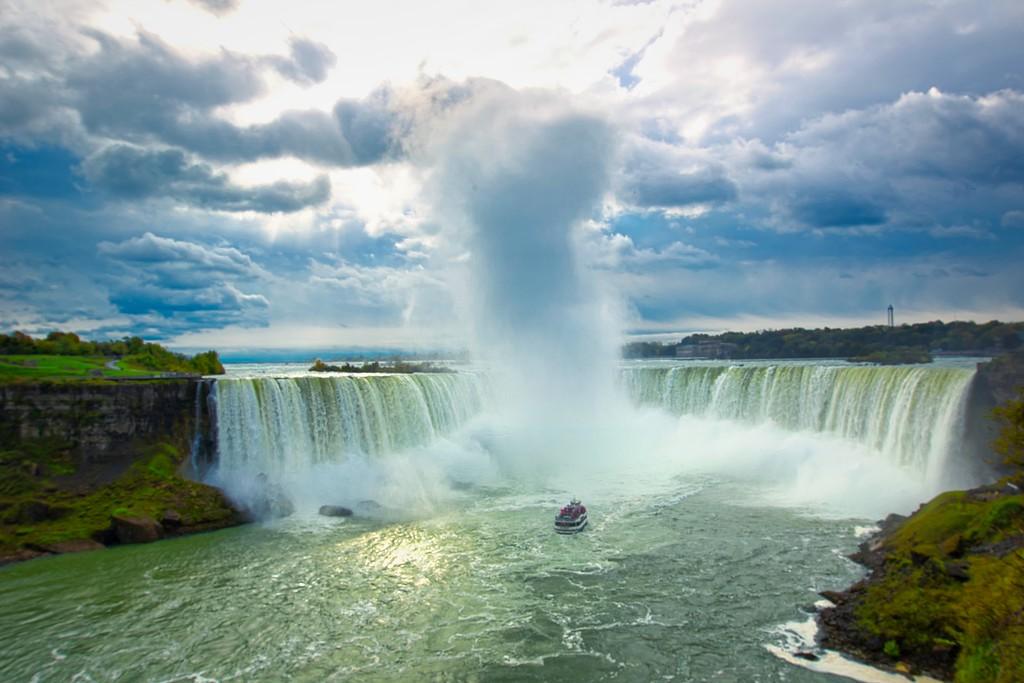IMAGE: https://photos.smugmug.com/Niagara-Falls-2018/i-RGXR9S7/0/941f6f8f/XL/Horseshoe%20Falls%204-XL.jpg
