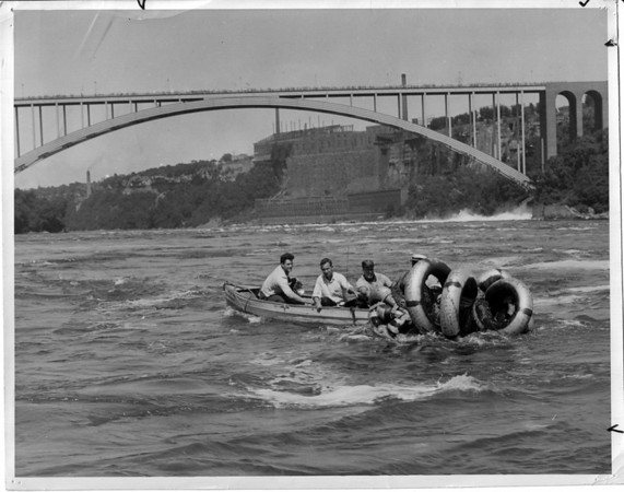Niagara Falls, Stunters, Hill Family -  At the tubes were first intercepted.