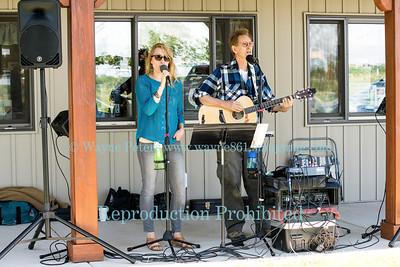 Tom & Sarah Wright at Schulze Vineyards & Winery, June 12, 2016