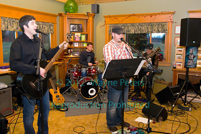 The band Off The Cuff at Schulze Vineyards and Winery on January 28, 2012