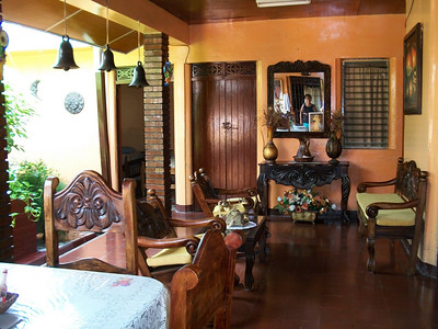 WHERE TO STAY??  **Hospedaje LIDIA (2-563-3477 / 8-947-0011) WiFi, TV (SOMETIMES there is MAYBE 1 show in English), fan.  You can purchase breakfast.  RATES:  $10/pp w/shared bathroom.  Private bathroom - $15/1, $23/2) - OWNER•MANAGER:  Manager-Maritza, Owner-Lidia LOCATION:  From the gas station (I THINK it's now Uno [it was Texaco]) on the West side of the road (across the street from where you get off the buses from CR) - at that corner turn West-Right (going into Centro) & she's a few doors down (last time I was there it was a peach colored non-descript building).  (this is where I STAY when I'm just wanting a quick overnight Visa turn-around!!)  Guest sitting area