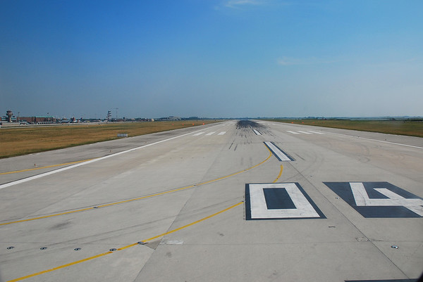 RUNWAY 04 MARCO POLO AIRPORT, VENICE.  CLEARED FOR TAKE-OFF TO FRANKFURT