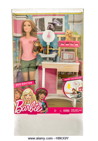 P6.12 / New photo of Barbie.  Choice 12 of 12