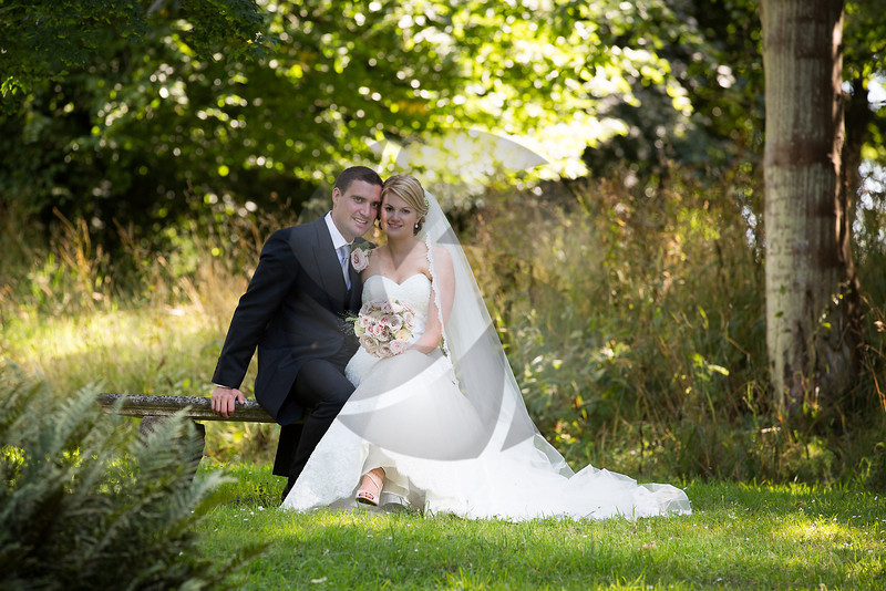 Nicola & Russell - Chiddingstone Casle