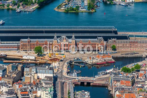 Amsterdam Centraal Station uit de lucht