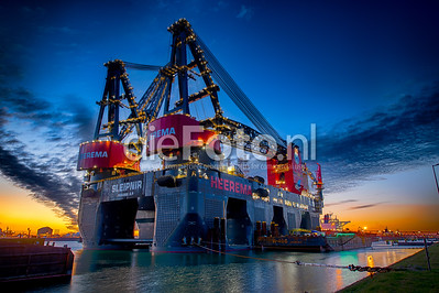 Sleipnir Heerema at Sunset