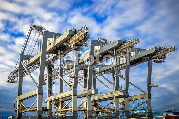 Drie container kranen van ECT