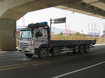Hyundai Trago 10x4 vrachtwagen
