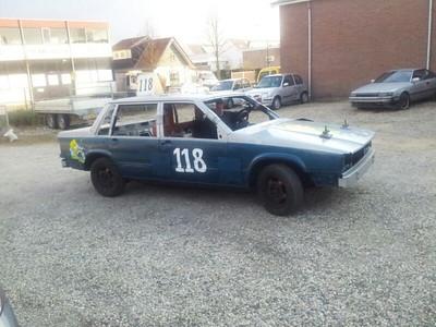 Hier de nieuwe mooie banger van  Arnaud  the General Hilhorst 118 waarmee hij op 6 april in Emmen gaat rijden.  Met dank aan Treessie Ward