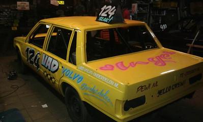 Hierbij de nieuwe mooie rodeo van Dick de Groot waarmee hij gaat rijden in de nieuwe rodeo klasse van Lelystad. Wij danken Dick voor de promotie van de Pewi site op zijn auto..  Met dank aan Dick de Groot