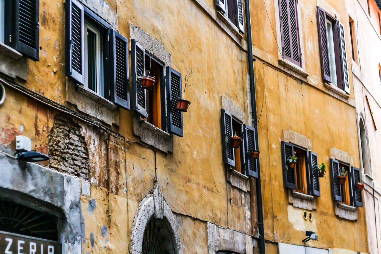 IMAGE: https://photos.smugmug.com/Nifty-Goes-to-Rome-Nifty-Fifty-The-Traveling-Lens/i-cmPDVMq/0/X2/Nifty_Rome-2017_016-X2.jpg