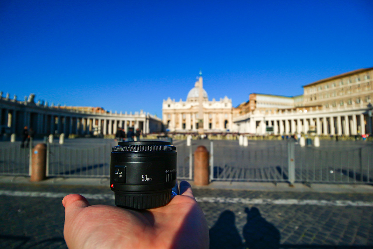 IMAGE: https://photos.smugmug.com/Nifty-Goes-to-Rome-Nifty-Fifty-The-Traveling-Lens/i-sSnqxqH/0/X2/Nifty_Rome-2017_053-X2.jpg