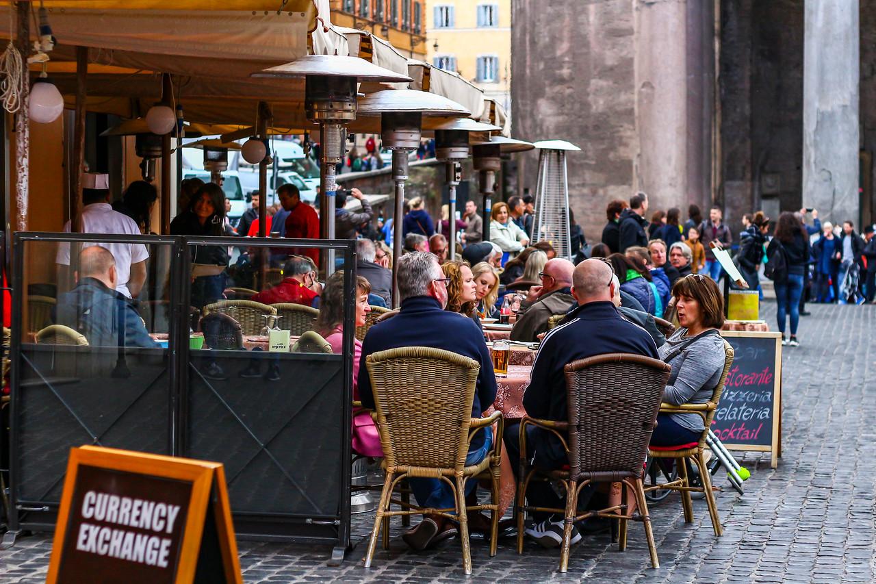 IMAGE: https://photos.smugmug.com/Nifty-Goes-to-Rome-Nifty-Fifty-The-Traveling-Lens/i-vLwxMHj/0/X2/Nifty_Rome-2017_047-X2.jpg