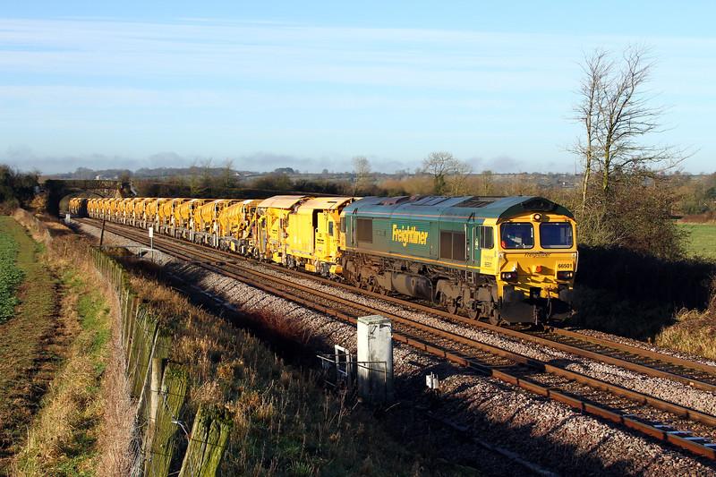 66501 6c72 0820 Fairwater Yard to Westbury pass Penleigh 10 Jan