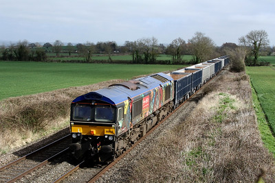 66718 6v42 0813 Wellingborough Up TC to Whatley Quarry Gbrf pass Baynton Farm,Edington 15 March