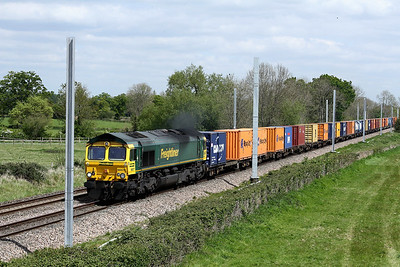 66571 4v31 0752 London Gateway Freightliner to Bristol Freightliner Trml pass Langley Burrell 5 May