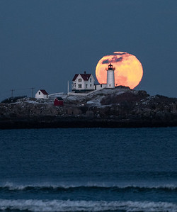 Super Moon at the Nubble - 90% up