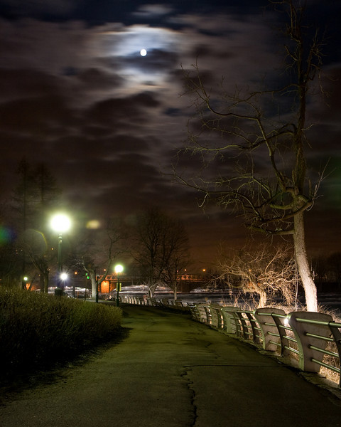 Niagara Falls State Park walkway at night. Niagara River is to the right.