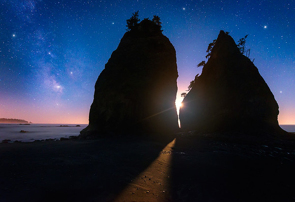 A Perfectly Timed Crescent Moon Set on the Washington Coast