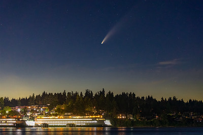 Excellent comet viewing tonight after sunset! Just got home, downloaded photos, and quickly edited this image of Comet NEOWISE over the Eagle Harbor ferry dock here on Bainbridge Island. #CometNEOWISE