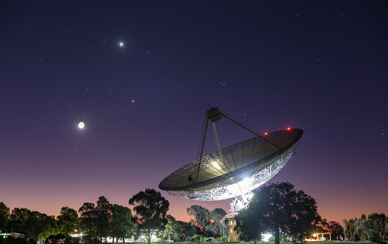 Conjunction and Comet over The Dish