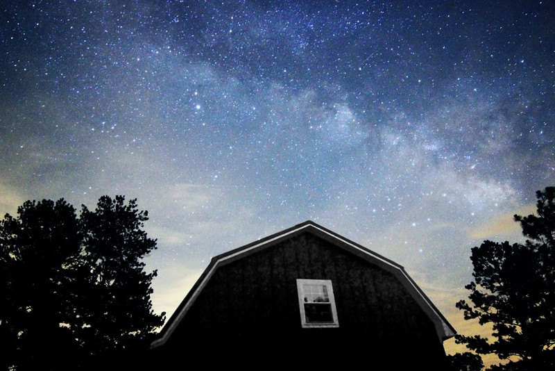 Milky Way Wide angle over barn