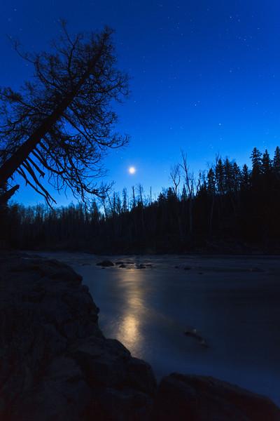 Evening Sky on the River <br /> <br /> Temperance River State Park <br /> Schroeder, Minnesota <br /> (5DII-25945)