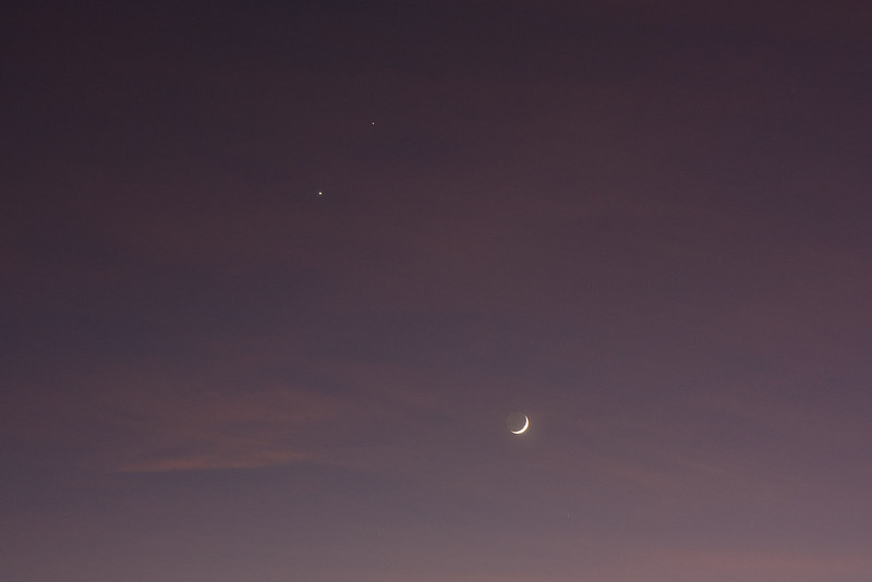 The day before the conjunction of the moon with Venus and Jupiter<br /> <br /> Canon XSi with 17-55 IS lens